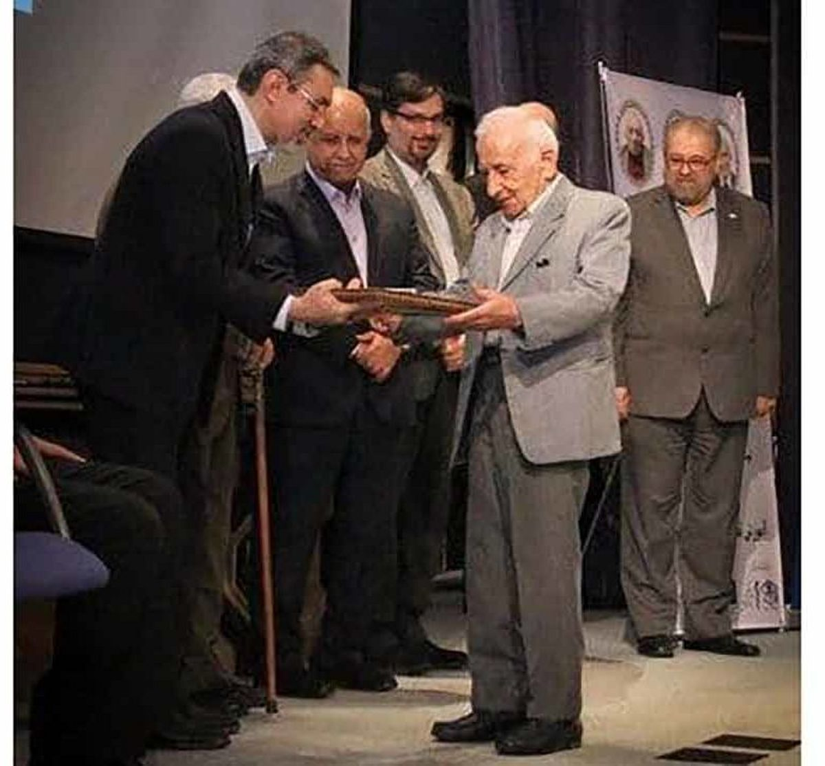 پزشک معروف ایرانی آسمانی شد