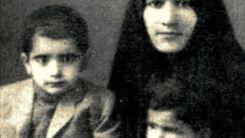 محمدرضا شجریان در کودکی کنار مادرش +عکس