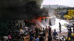 لحظه وحشتناک آتش سوزی در خیابان مشیریه تهران