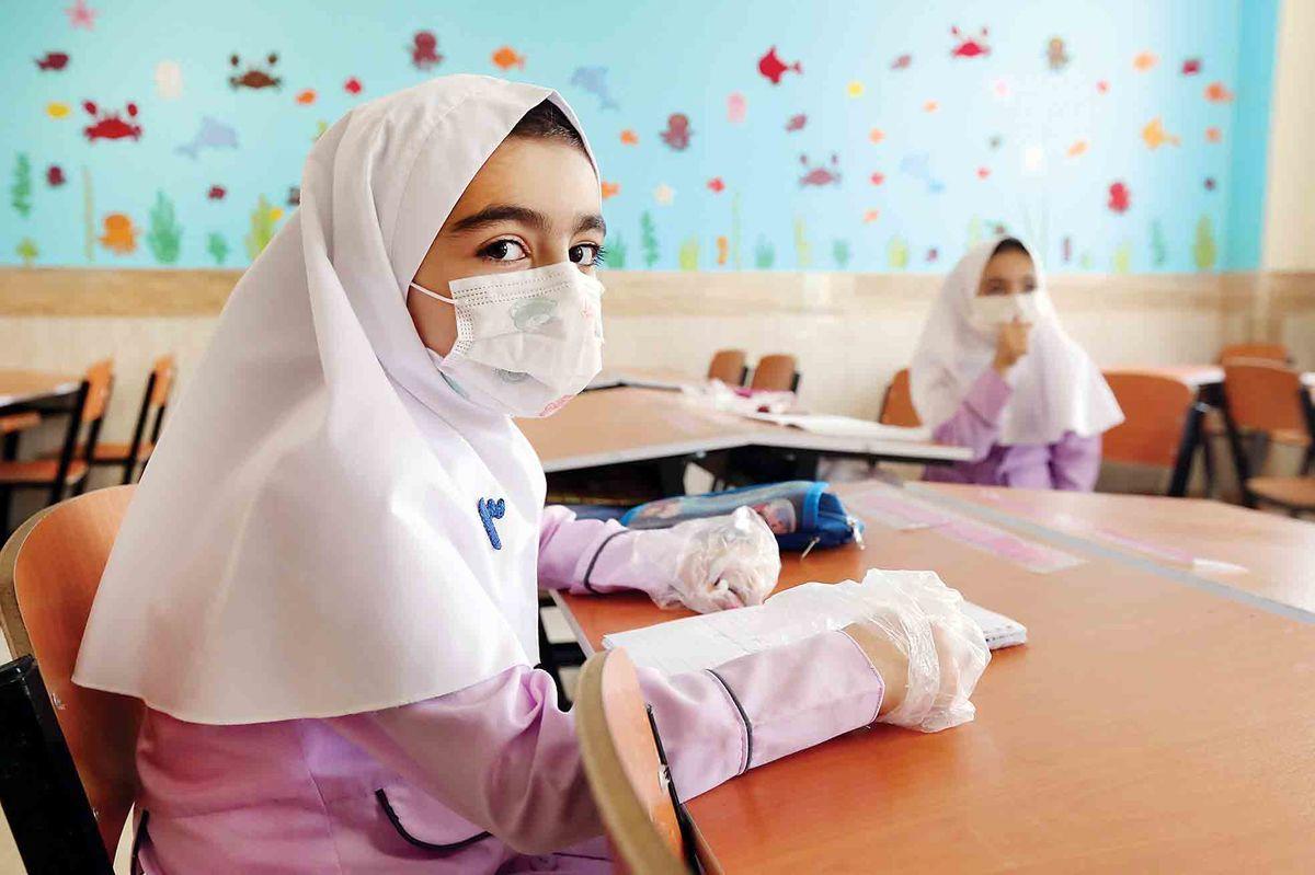 اختیاری شدن واکسیناسیون کرونا دانشآموزان